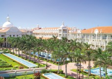 Travis-Paquin-Travel-Agent-All-Inclusive-Resorts-Mexico-Riviera-Maya-Riu-Palace-Riviera-Maya-Courtyard