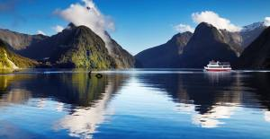 Collette-Guided-Tours-Travis-Paquin-Our-Travel-Team-Australia-New Zeland-Fiji Mountain-Water-Shot
