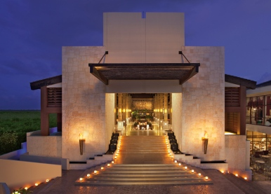 All-Inclusive-Resorts-Mexico-Riviera-Maya-Dreams-resorts-dreams-riviera-our-travel-team-travel-agency-springfield-missouri-DRERC_Lobby-at-Night_2